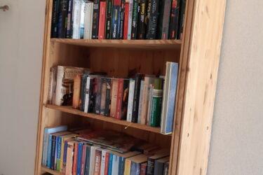 Bücherzelle jetzt im Pfarrheim
